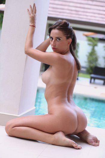 Nude Frosiya -Poolside (by Dave)